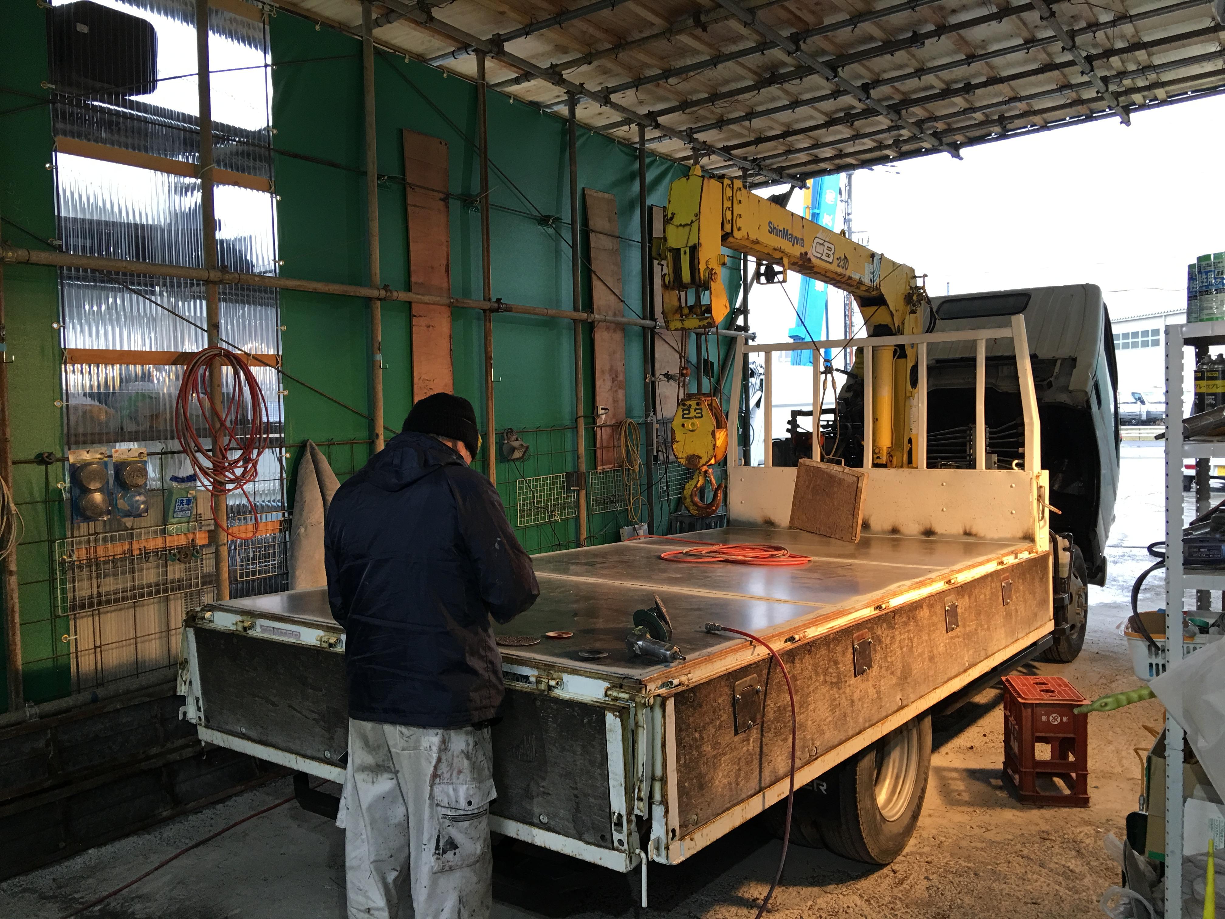 トラックの荷台 床鉄板 TRUCK123