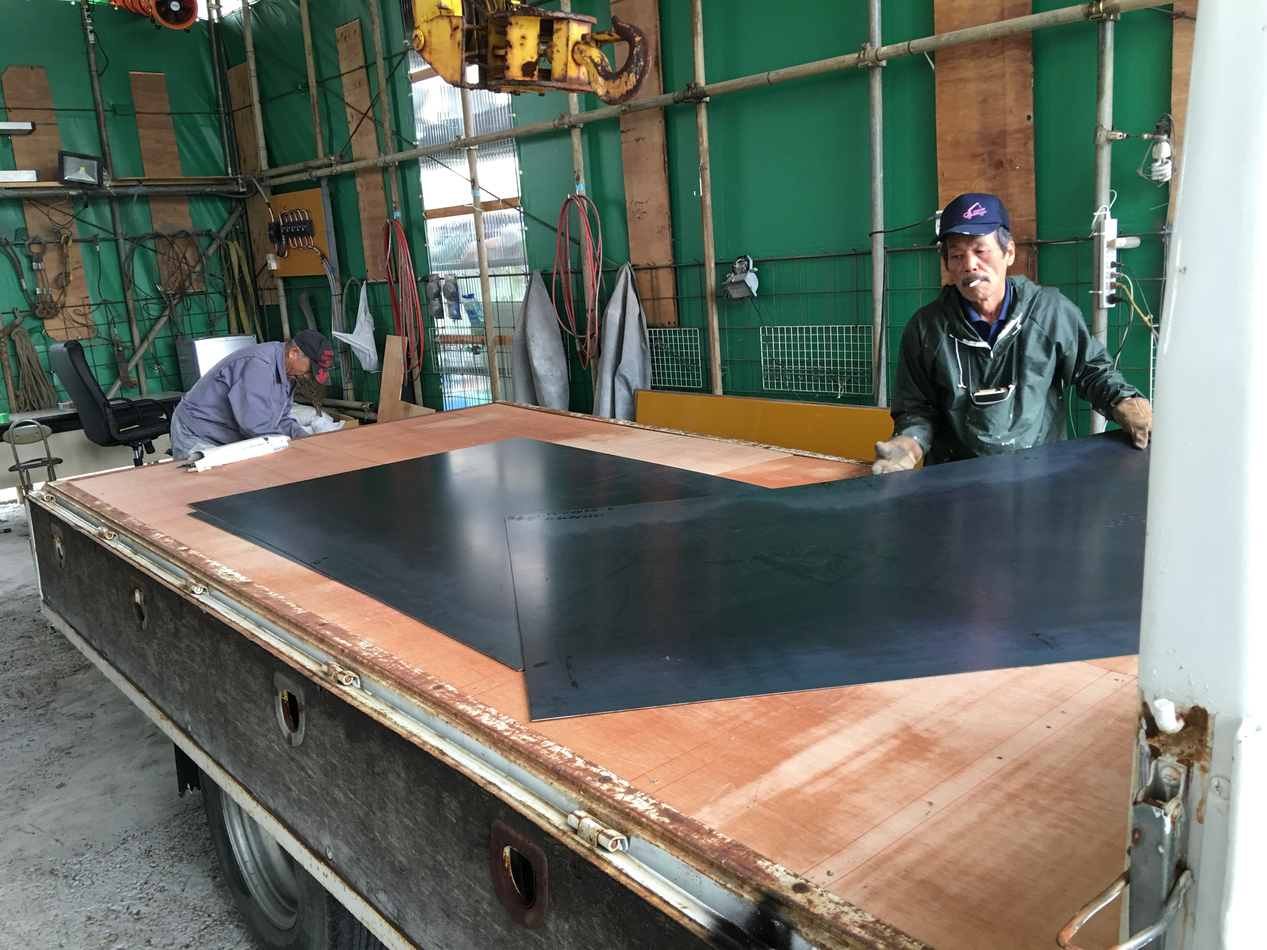 トラックの荷台 床鉄板3 TRUCK123