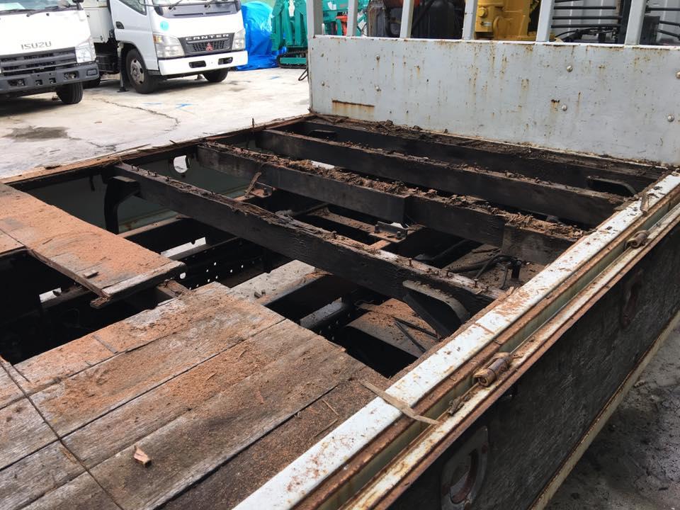 横ネタ・床の修理と床鉄板の架装 平ボディトラック2