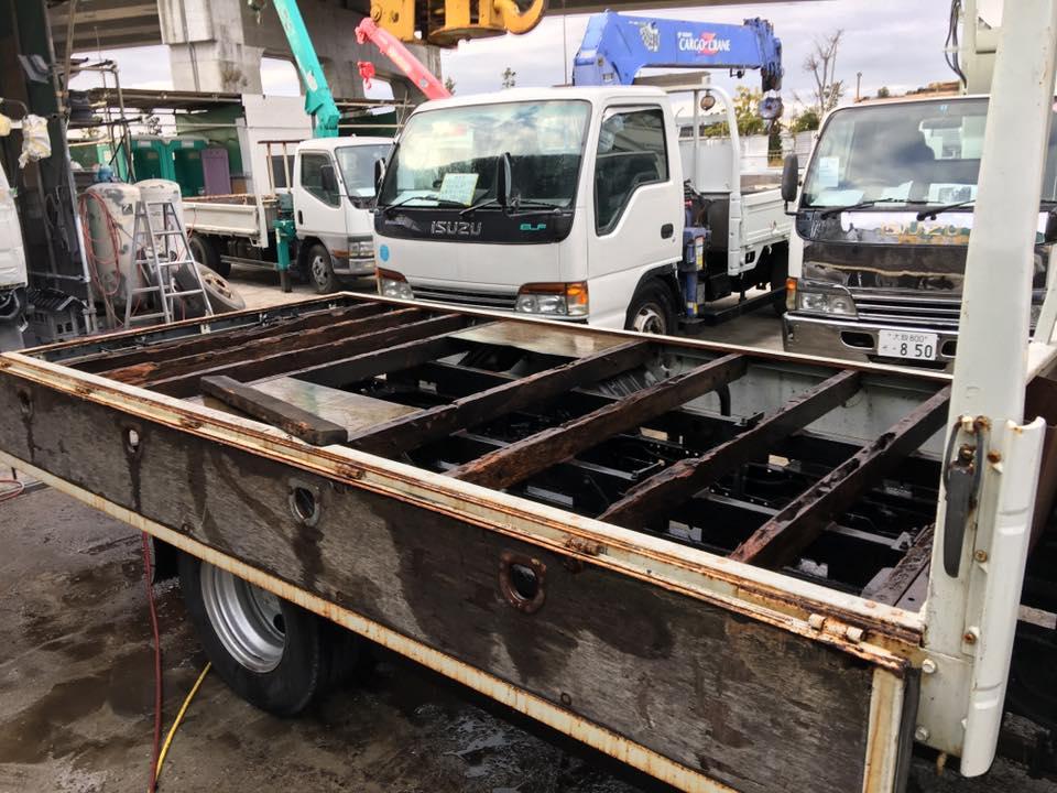 横ネタ・床の修理と床鉄板の架装 平ボディトラック3