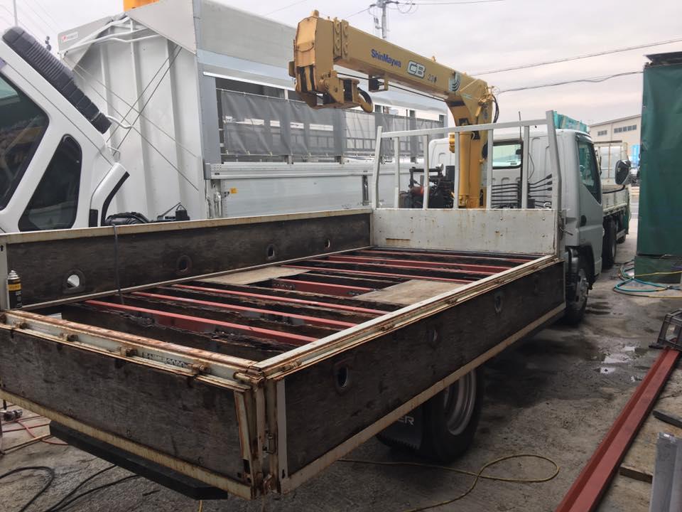 横ネタ・床の修理と床鉄板の架装 平ボディトラック5