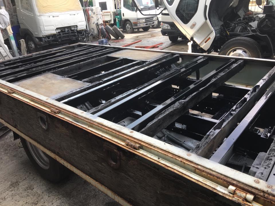 横ネタ・床の修理と床鉄板の架装 平ボディトラック7