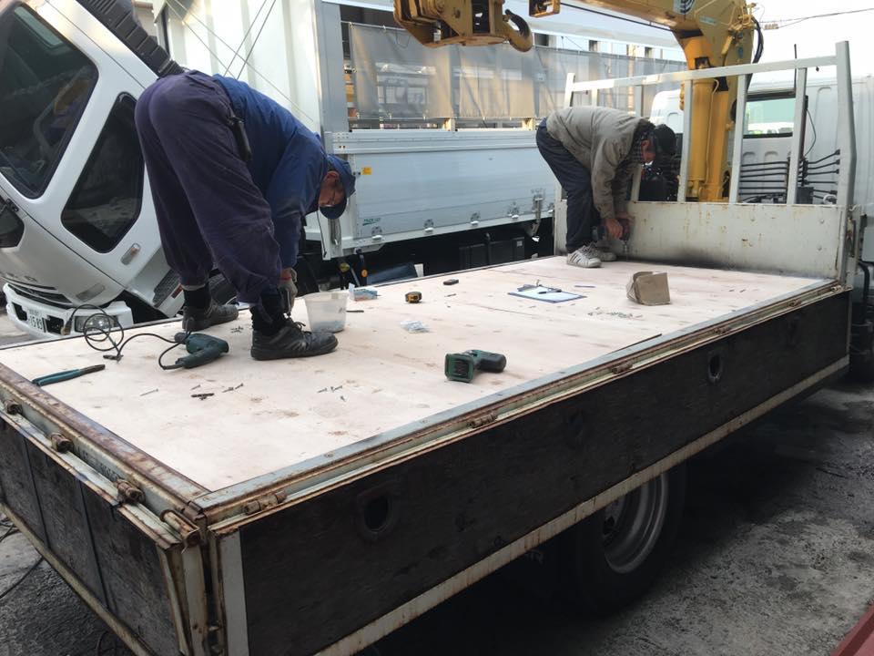 横ネタ・床の修理と床鉄板の架装 平ボディトラック8