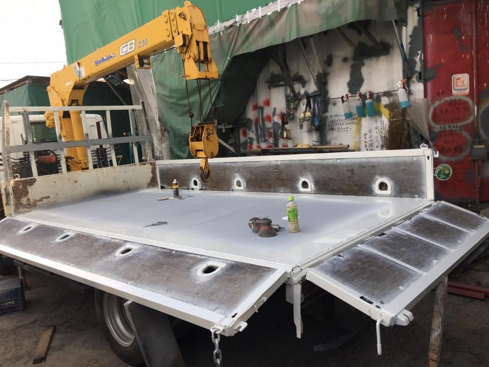 横ネタ・床の修理と床鉄板の架装 平ボディトラック11