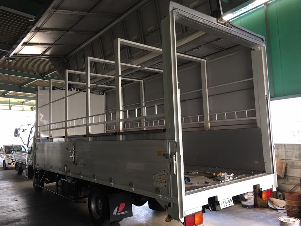 家畜運搬車の製造の流れ(床:アルミ・スロープ:ステンレス)9