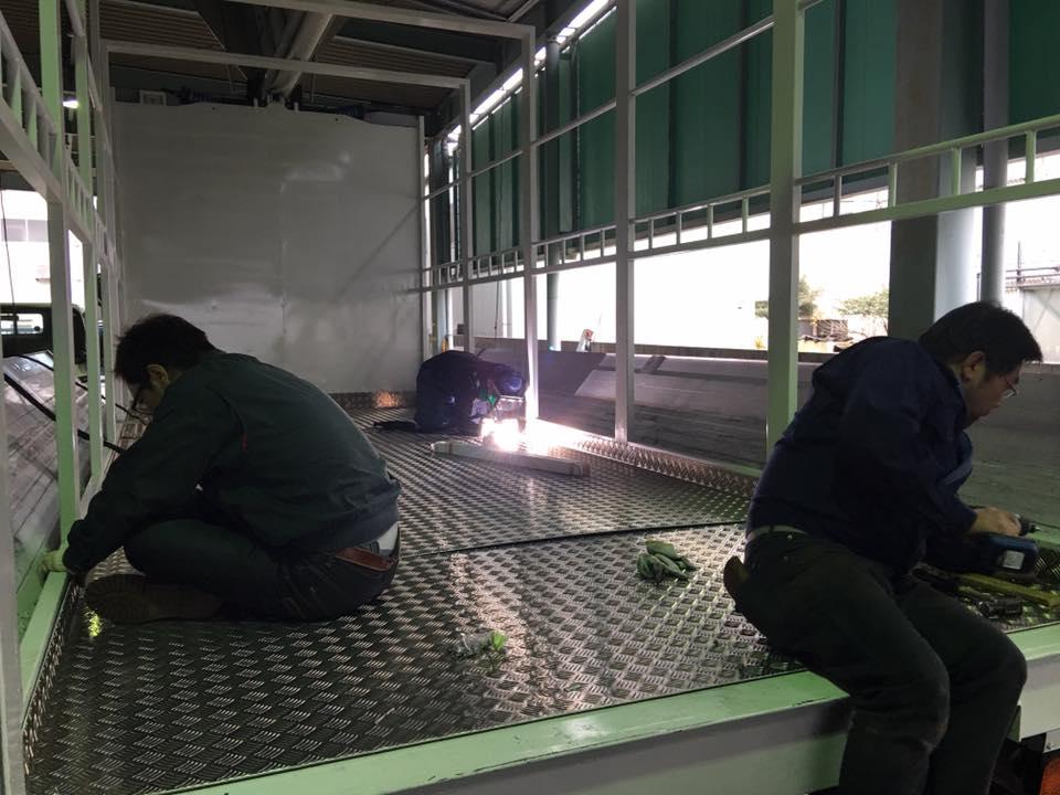 家畜運搬車の製造の流れ(床:アルミ・スロープ:ステンレス)6