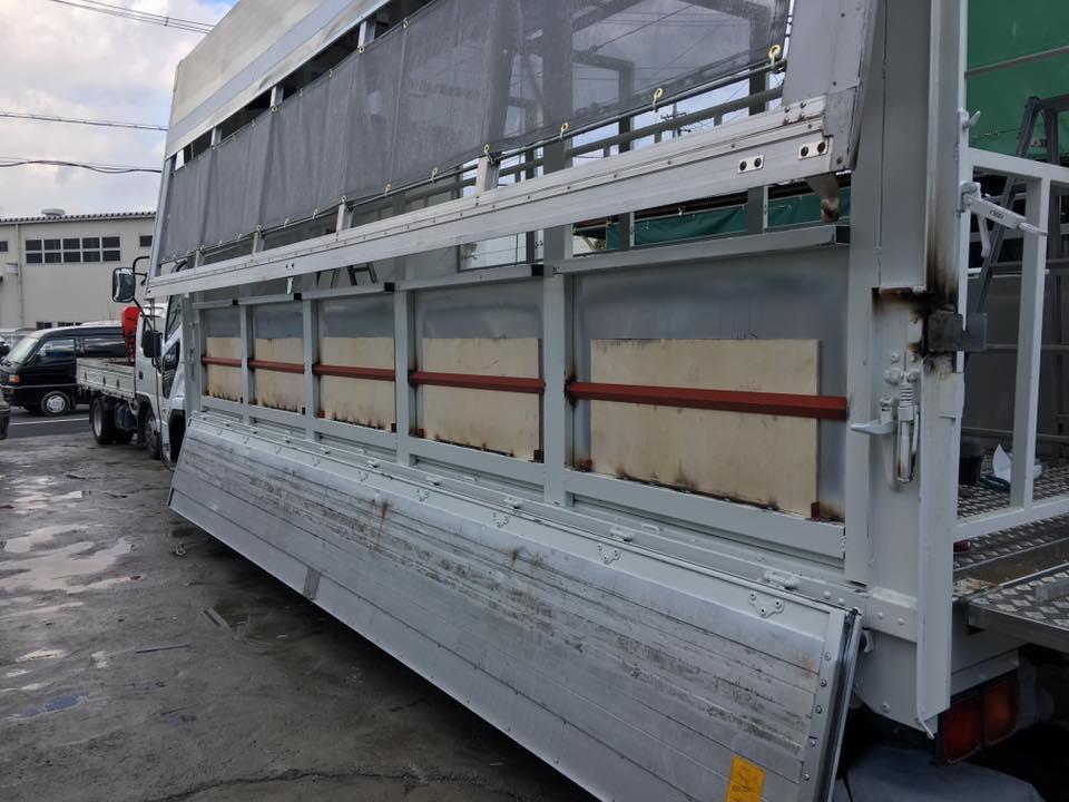 家畜運搬車の製造の流れ(床:アルミ・スロープ:ステンレス)17