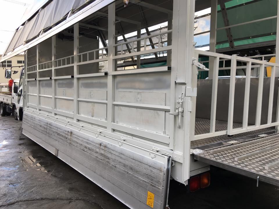 家畜運搬車の製造の流れ(床:アルミ・スロープ:ステンレス)18