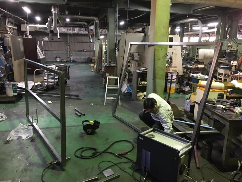 家畜運搬車の製造の流れ(床:アルミ・スロープ:ステンレス)10